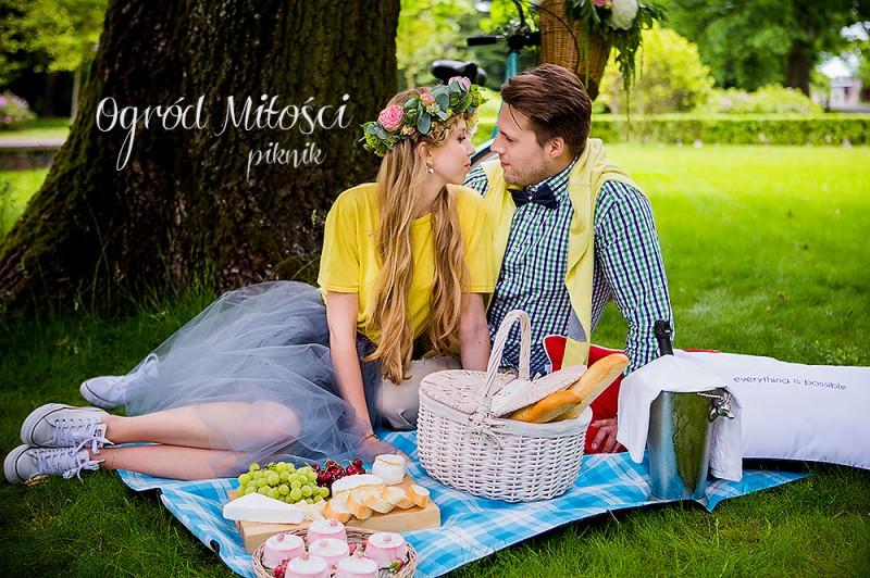 Ogród miłości – piknikowa sesja zaręczynowa